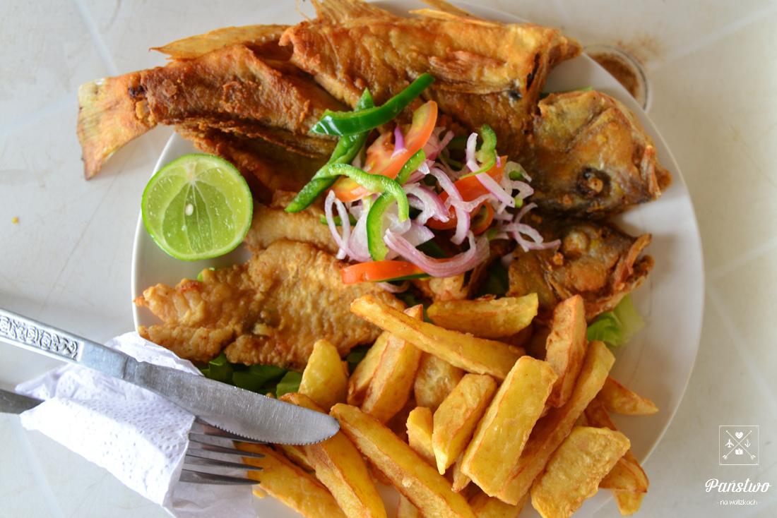 Puerto Lopez jedzenie na plaży